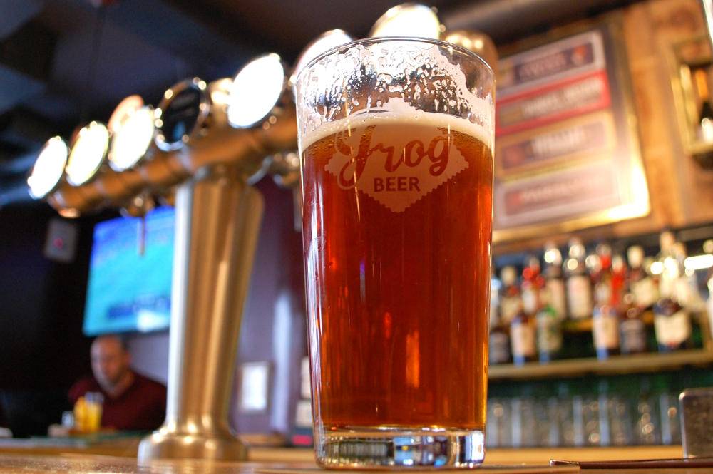 frog beer paris (2).JPG