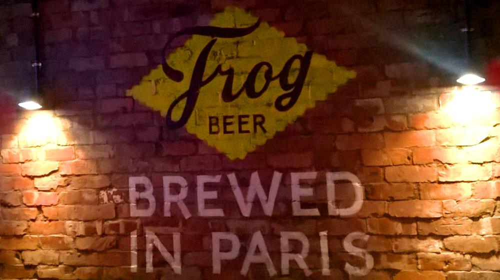 frog beer paris (3).jpg